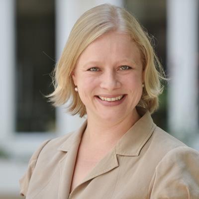 Eva Friedrich ist die Projektmanagerin für PR und Marketing Projekte der Agentur PoLi.
